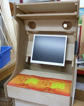 arcade cabinet geh use und hardware teil 2. Black Bedroom Furniture Sets. Home Design Ideas