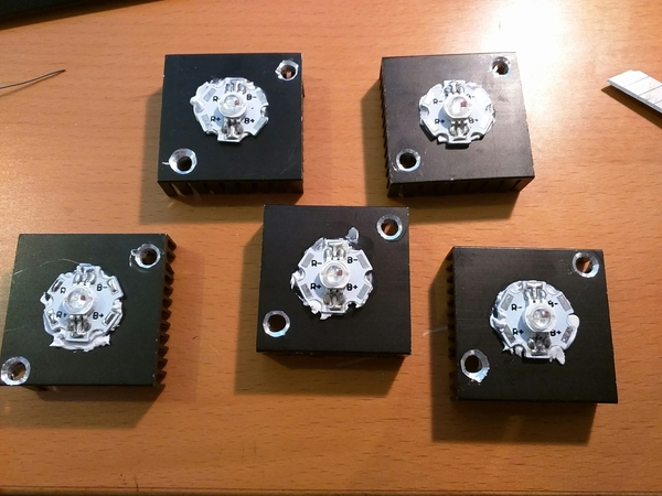 RGB flasher LED mounted on the heatsinks